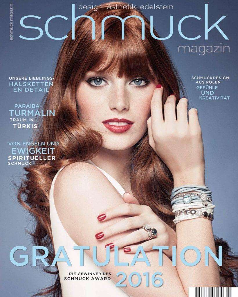 Professionelle Bildbearbeitung & Beautyretusche Magazin Cover, Rothaarige Frau mit Schmuck