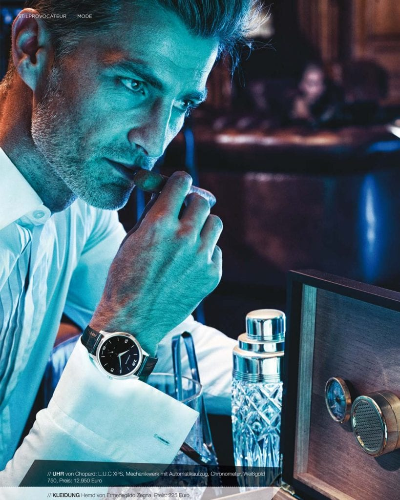 Uhrenfotoshooting Mann mit Zigarre und Uhr am Handgelenk
