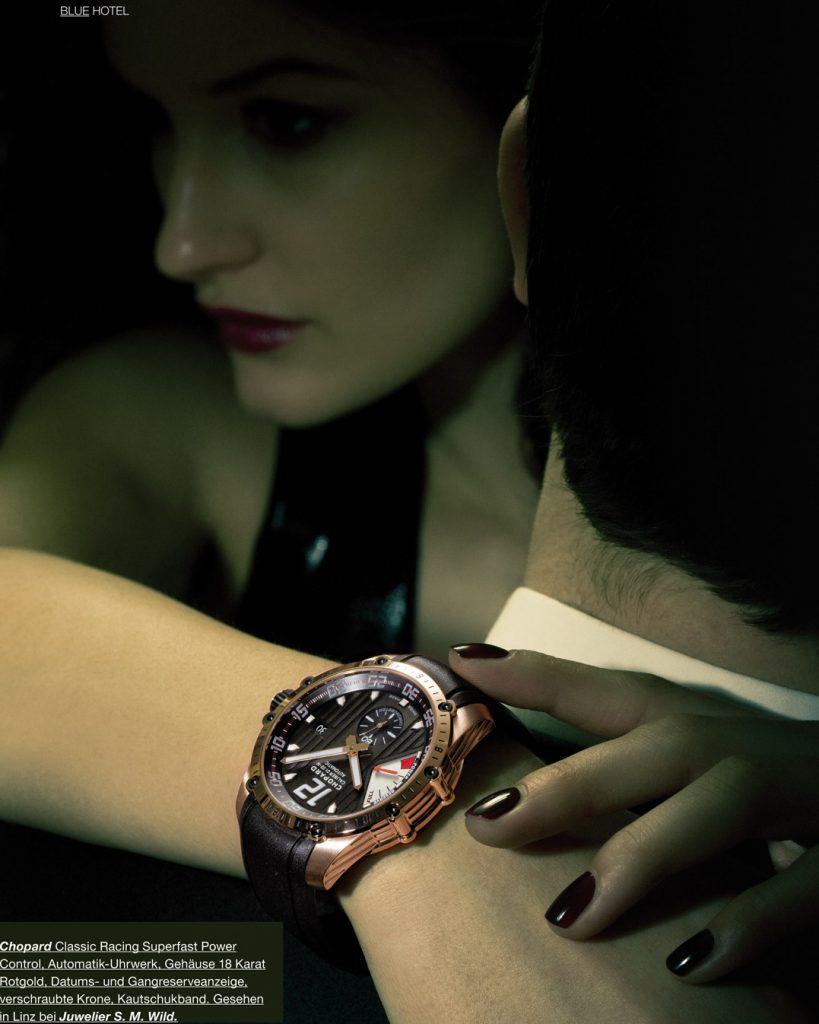 Professionelle Bildbearbeitung & Beautyretusche Uhrenshooting Frau umarmt Mann mit Uhr